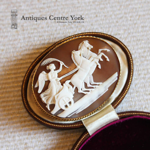 1940's 9ct Apollo on Chariot Cameo Brooch