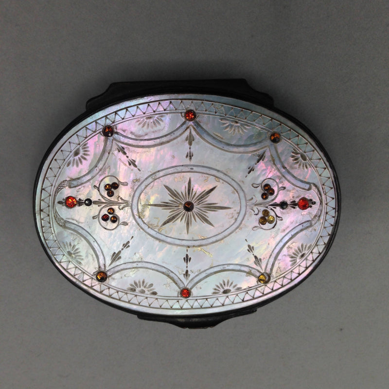 Georgian Mother of Pearl snuff box