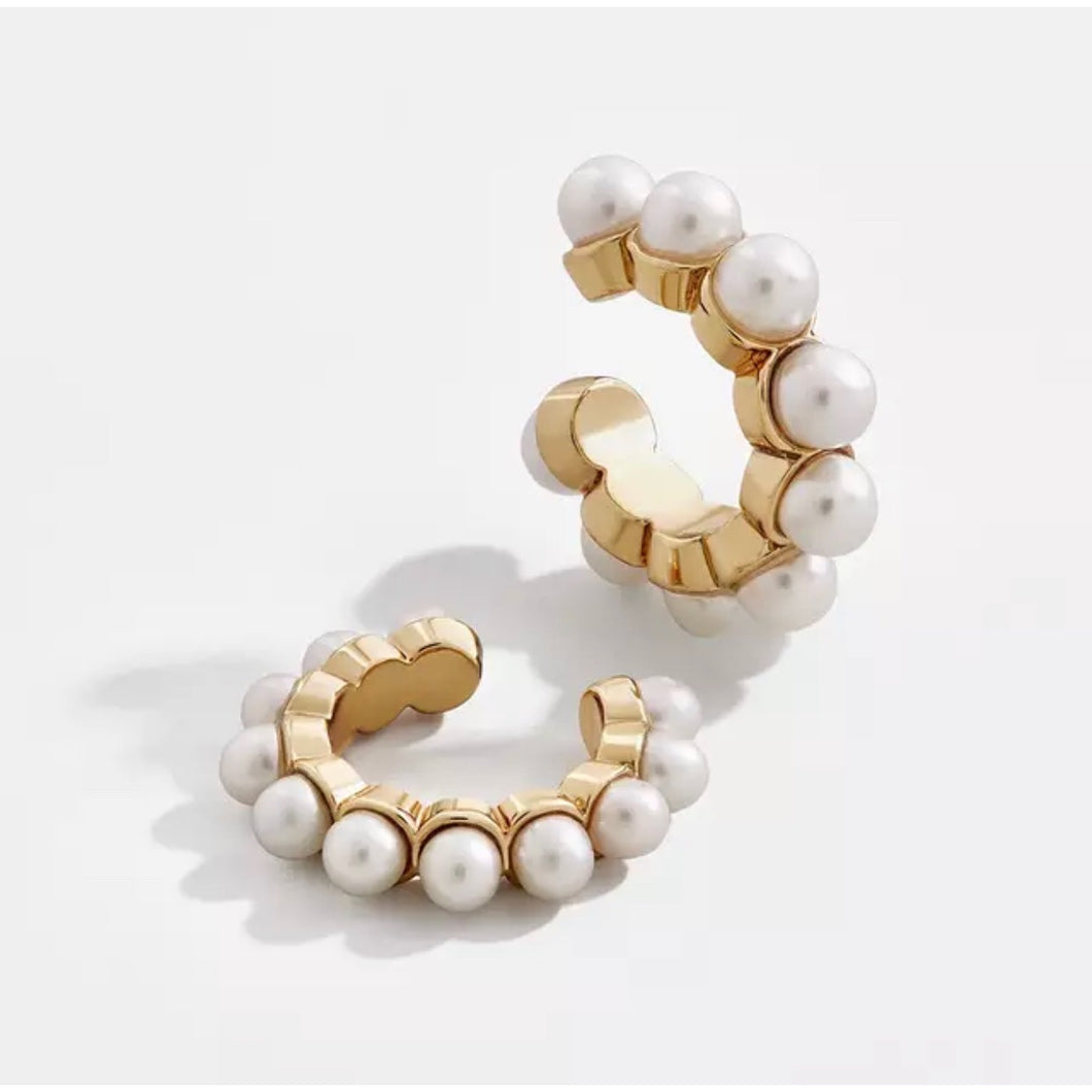 Pearl gold ear cuff