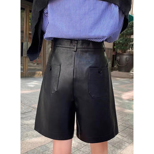 Faux leather tailored Bermuda shorts