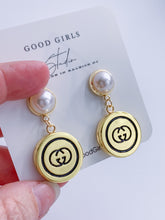 Load image into Gallery viewer, Pearl Dangle GG Button Earrings