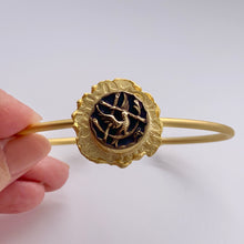 Load image into Gallery viewer, Antique Bird Button Bracelet