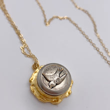 Load image into Gallery viewer, Antique Bird Button  Necklace