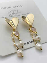 Load image into Gallery viewer, Gemma Paper Heart Earrings