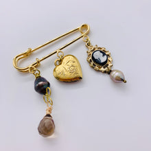Load image into Gallery viewer, Heart Charm Brooches