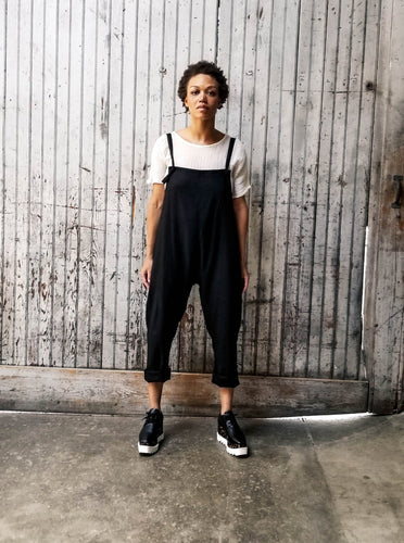 Minimalist overalls with adjustable straps. Side seam pockets. Unisex. Oversized. Linen.