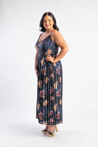 Dark floral pleated jumpsuit City Chic