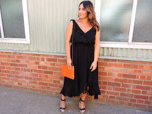 Load image into Gallery viewer, Black flowy dress City Chic