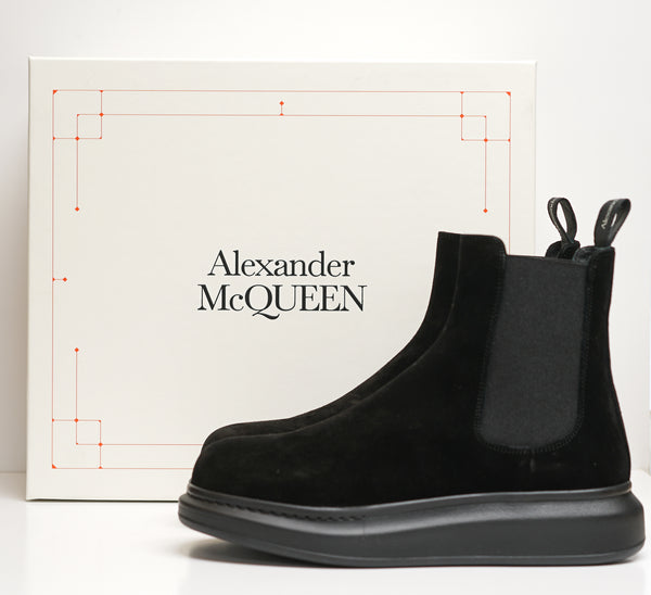 Alexander McQueen Men's Black Suede Pull On Boot 586198