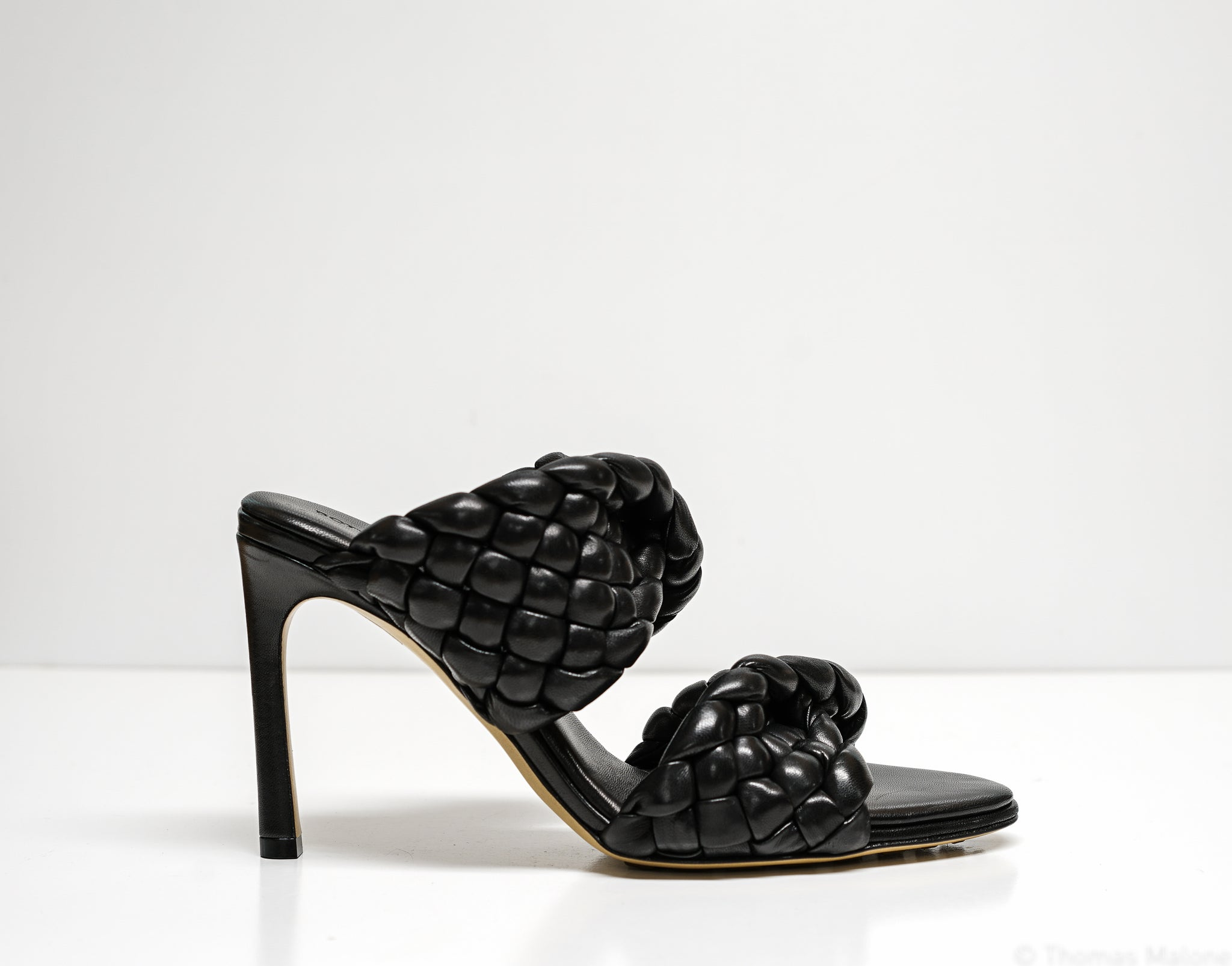 Bottega Veneta Women's Black Leather Curve Sandals 618757