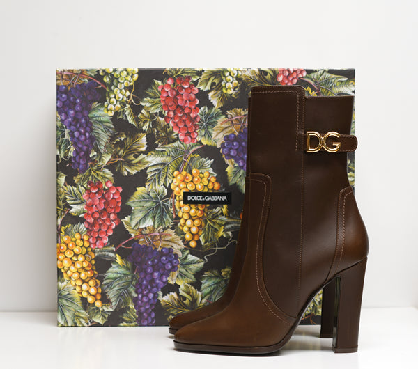 Dolce & Gabbana Brown Leather Logo Boot CT0669