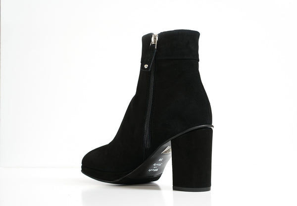 Stefano Stefani Women's Black Suede Ankle Boot 7129