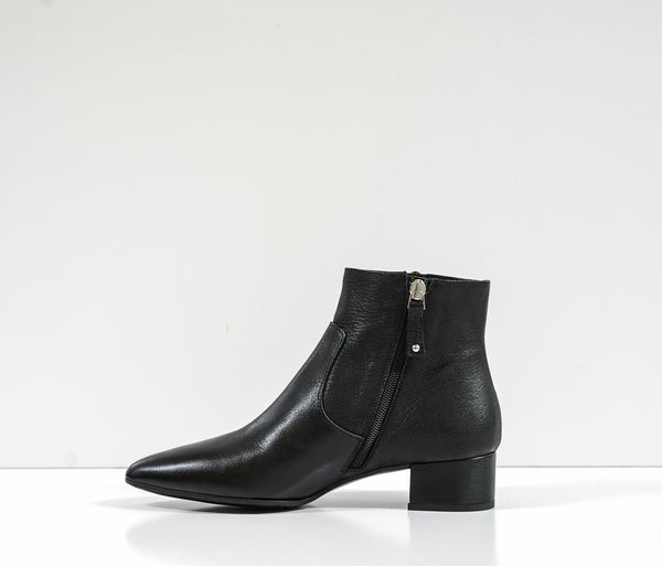 Stefano Stefani Black Leather Ankle Boot 7649