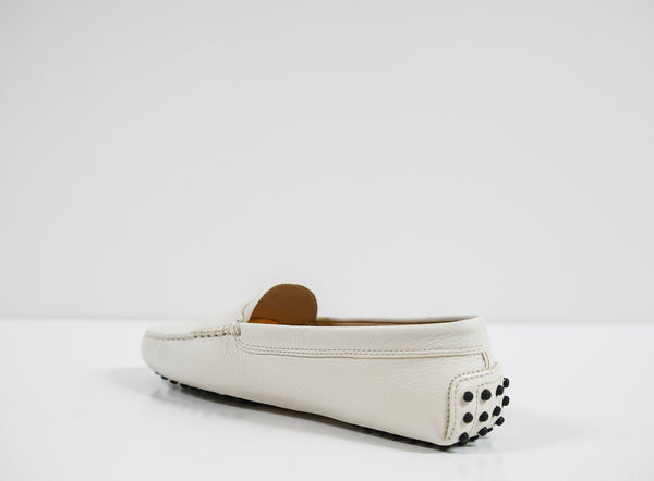 Tod's Women's White Leather Moccasin 3XXW00
