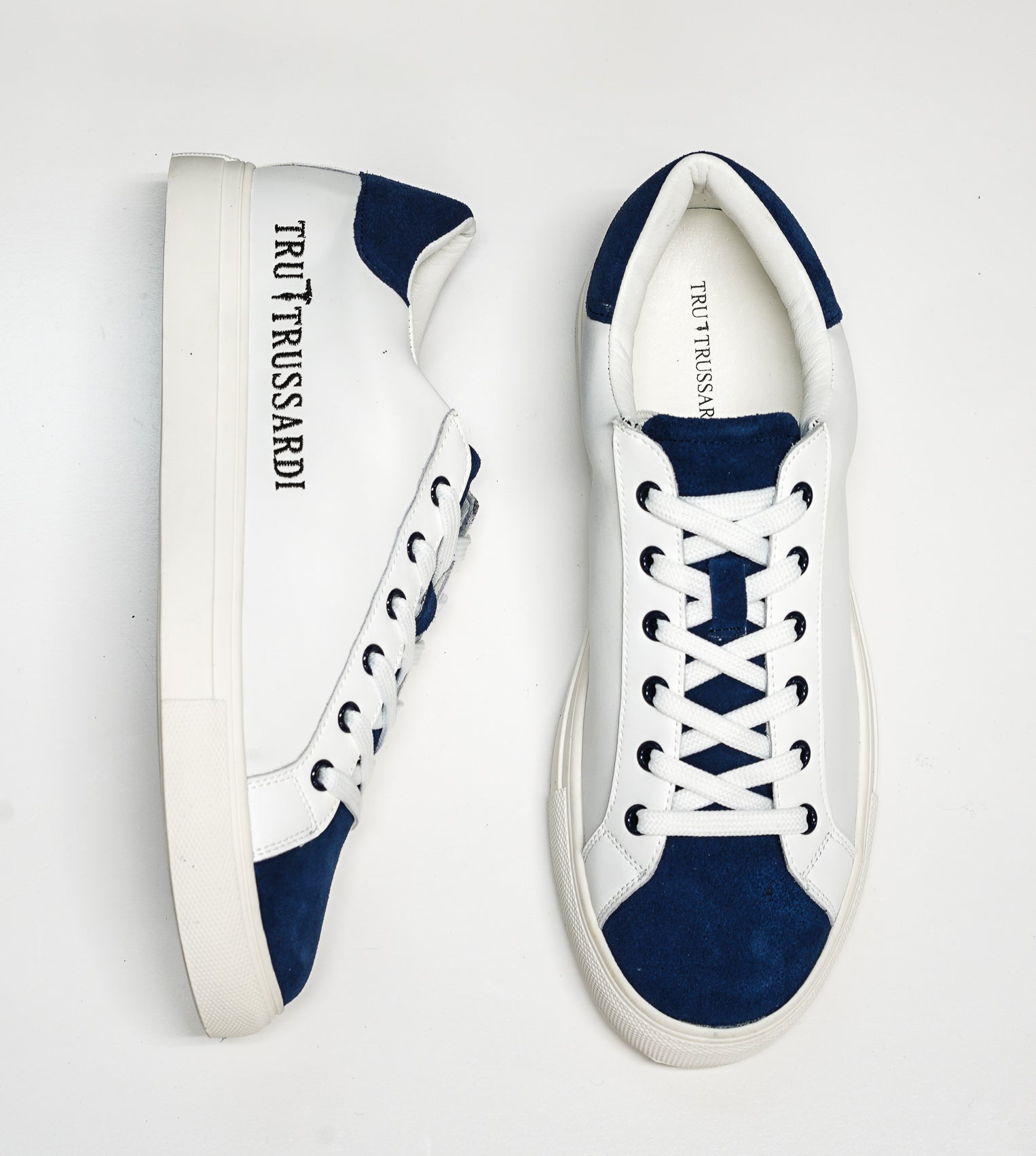 Trussardi Men's White & Blue Sneakers W656