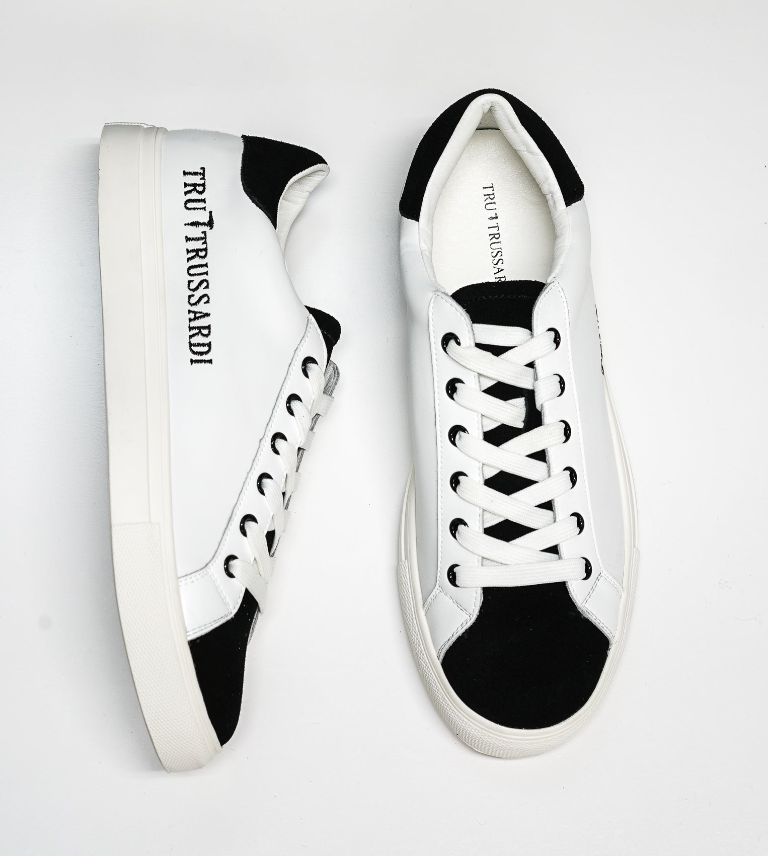 Trussardi Men's White & Black Sneakers W750