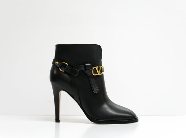 Valentino Women's Black Leather Logo Ankle Boots 2W2S0N56