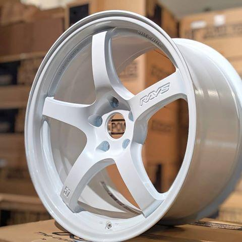 GramLights 57CR 19x9.5 +45 5x114.3 Wheel in Ceramic Pearl