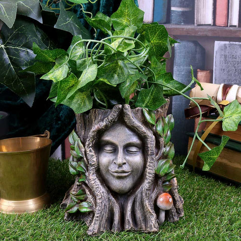 Oak Goddess Pot