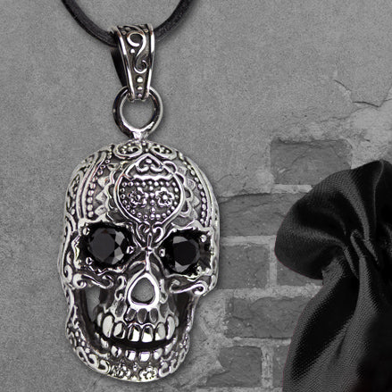 Echt etNox Black Eyed Skull Necklace | Angel Clothing