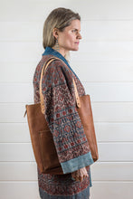 Load image into Gallery viewer, Cowhide Leather Pocket Tote