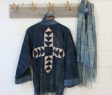 Load image into Gallery viewer, Indigo Quilt Back Jacket