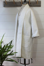 Load image into Gallery viewer, White Quilt Duster Jacket/for Colette