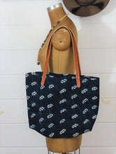 Load image into Gallery viewer, Indigo Handwoven Tote
