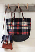 Load image into Gallery viewer, Blanket Plaid Tote