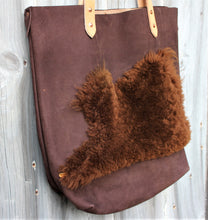 Load image into Gallery viewer, Shearling + Leather Tote