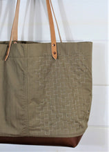 Load image into Gallery viewer, Sashiko Stitch Tote