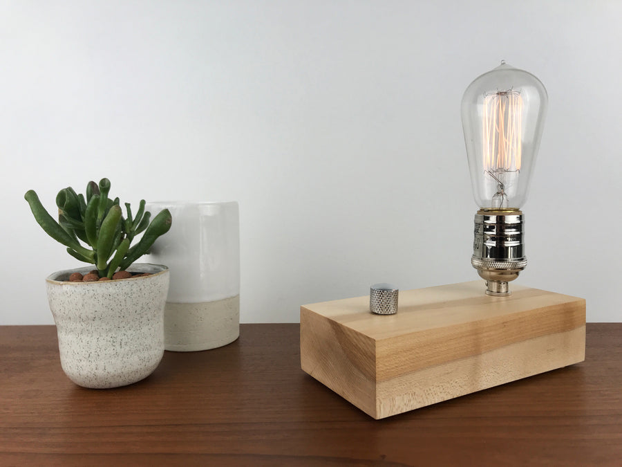 EDISON Single - Maple | modern industrial table lamp with dimmer and Edison bulb
