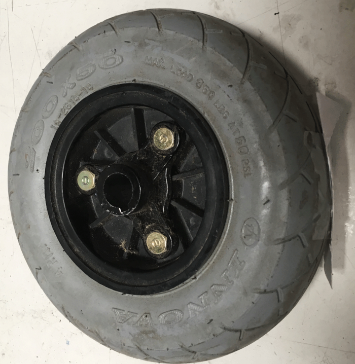Solid tire for mobility scooter