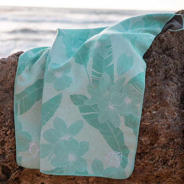 Seasalt Kids x Nomadix Beach Towel | Light Seafoam Plumeria