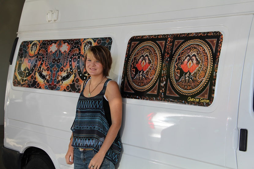 Chern'ee Donates Aboriginal Artwork to Queensland Indigenous Health