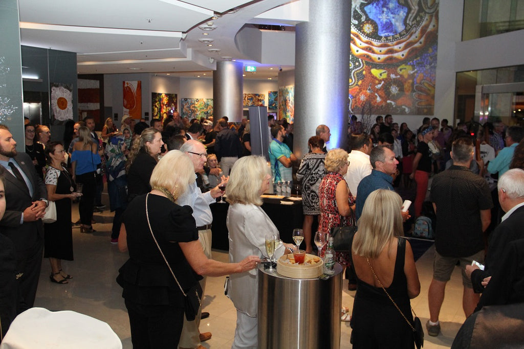 Chern'ee Opens her exhibition at the Sofitel Hotel Broadbeach