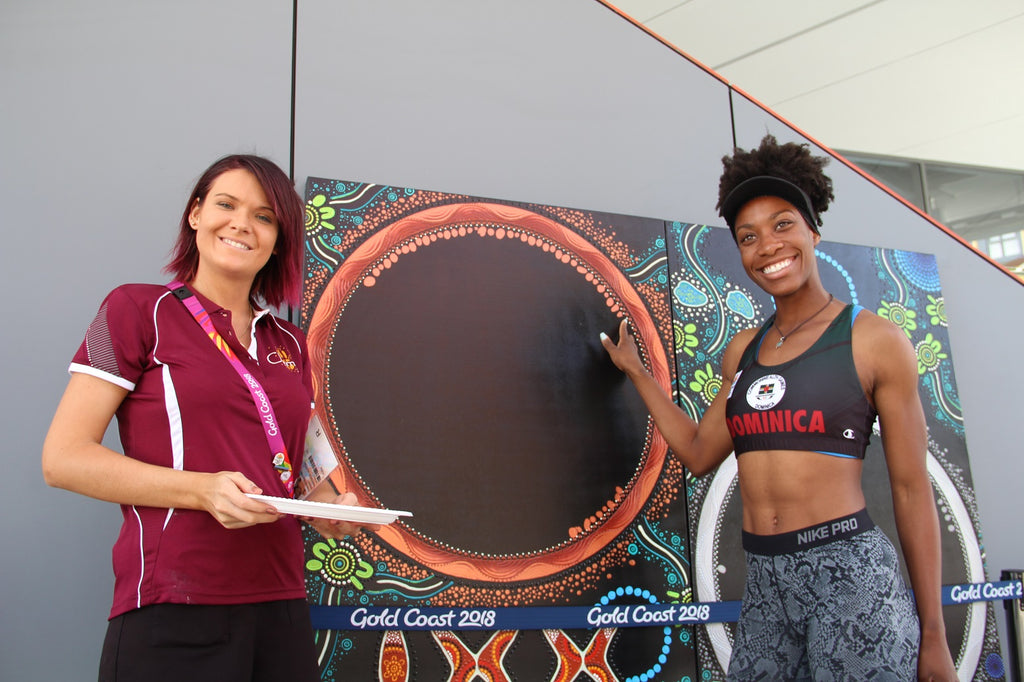 The Commonwealth Games Bronze Medal Winners add their Fingerprints to Chern'ee's Painting