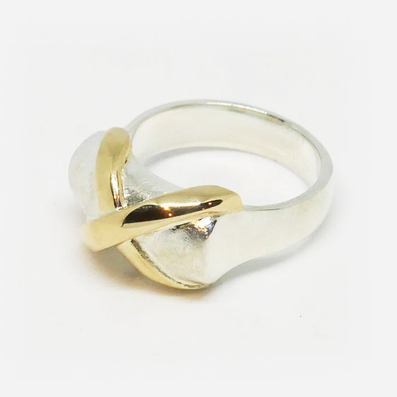 Sterling Silver and 9ct gold crossover bar ring