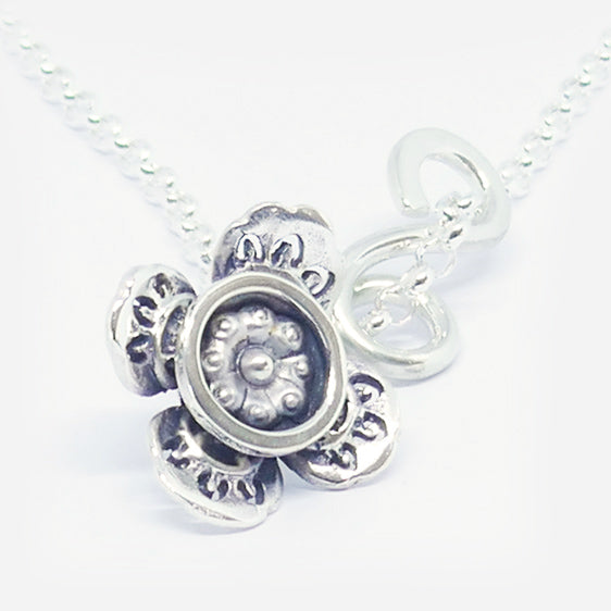 'Loubear' stg silver curly pendant (medium length). Chain sold separately