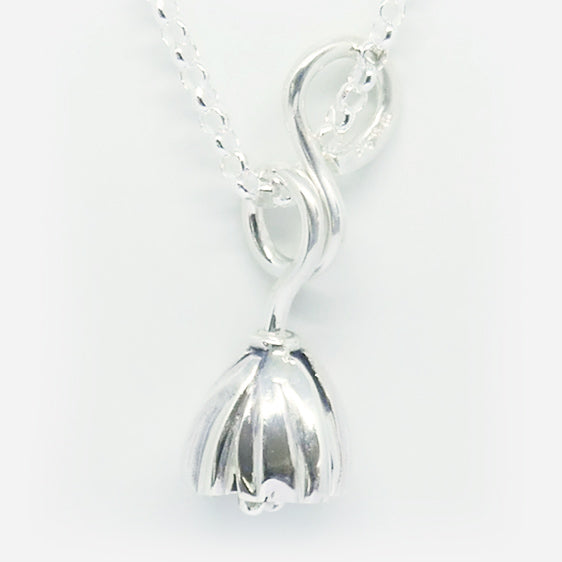 'Vivee' Stg silver medium curly pendant . Chain sold separately