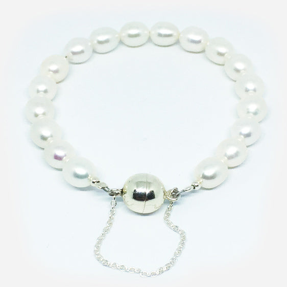 Cultured pearl bracelet on sterling magnetic clasp with safety chain