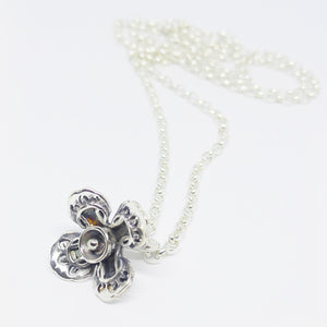 """Pippy"" Stg silver short flower pendant (Chain sold separately)"