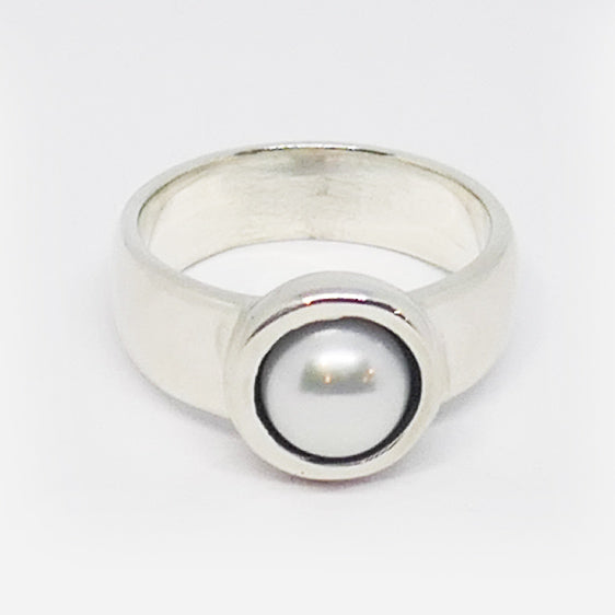 Sterling Silver 7 mm freshwater pearl ring