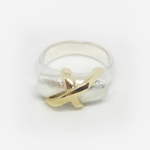 Sterling Silver and 9ct gold crossover ring