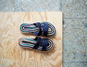 Betelgeuse Sandals. Natural Slipper blue color.