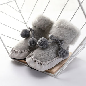 Baby and Toddlers' Lovely Pompom Decor Plush Floor Socks