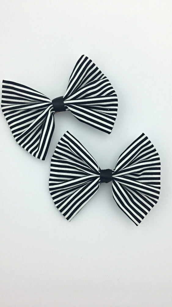 Black and White Stripe Medium Fabric Hair Bow