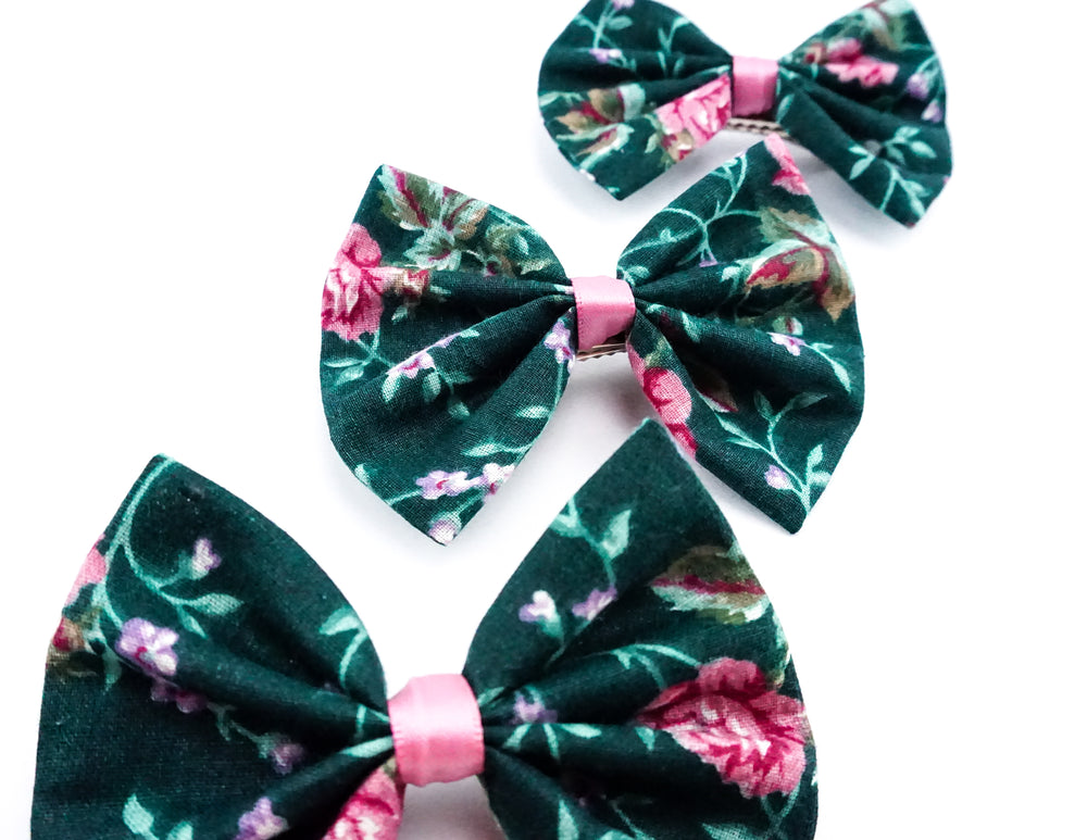 Deep Green Vintage Inspired Dusty Pink Floral Print Medium Fabric Hair Bow