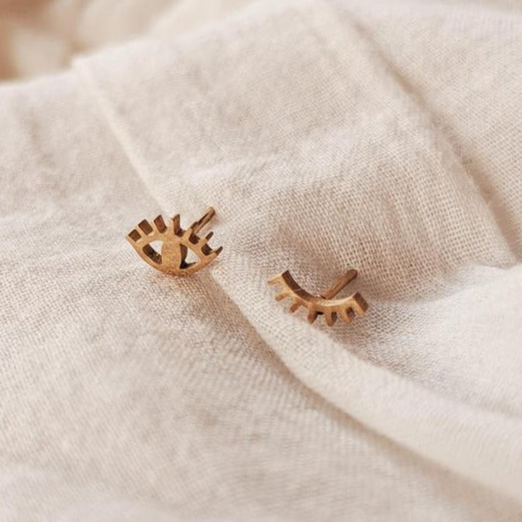 Mimi & August Wink Wink Stud Earrings