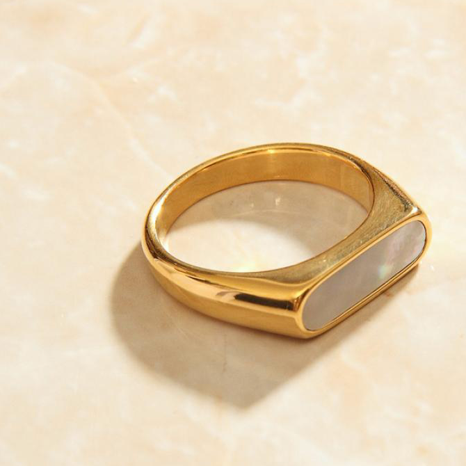 Gold Bar Ring White